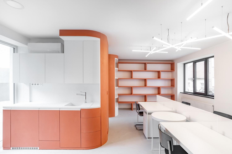 Realizace - Dům s kancelářemi a byty Brno 4